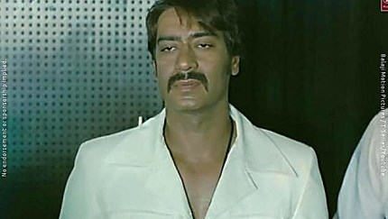 Ajay Devgan White Shirt And Black Trouser Look Tum Jo Aaye Zindagi