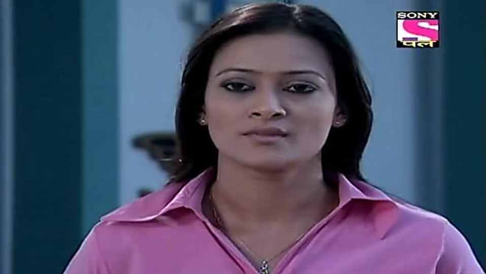 Jaswir Kaur Pink Shirt and Blue Trouser look, Episode 621