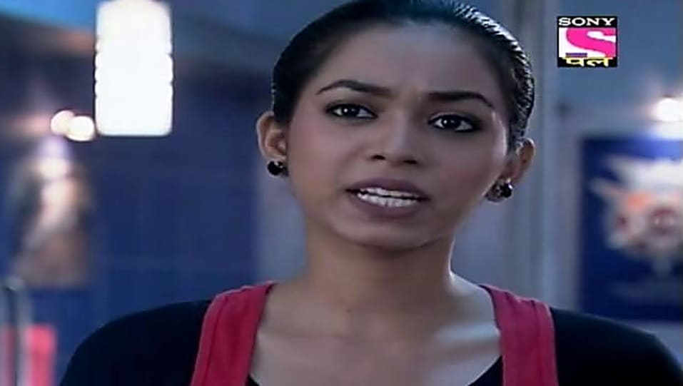 Janvi Chheda Red T-shirt and Blue Jeans look, Episode 621