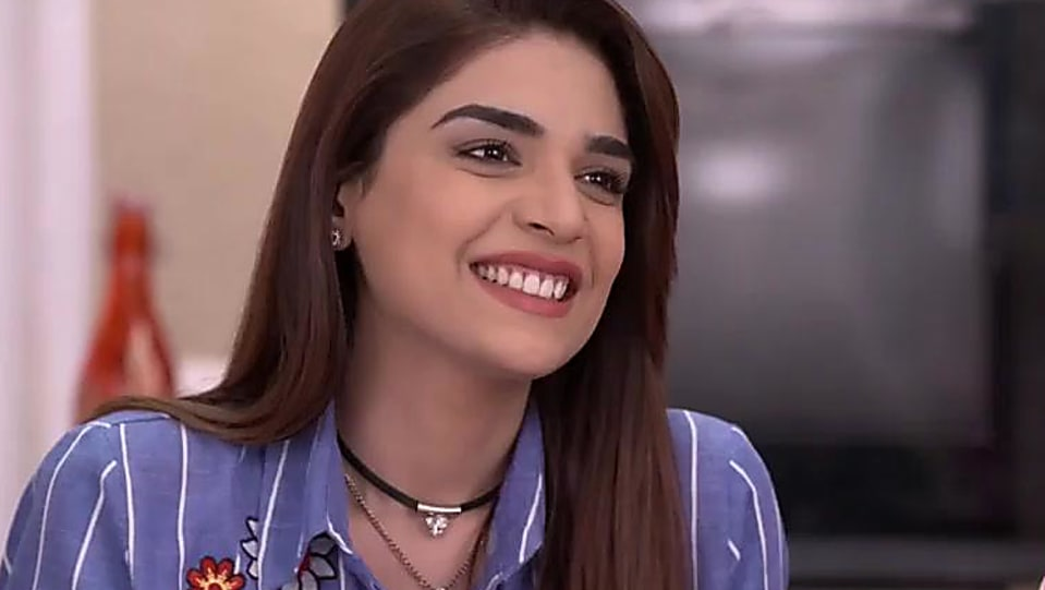 Anjum Fakih Blue Shirt and Black Jeans look, Episode 77