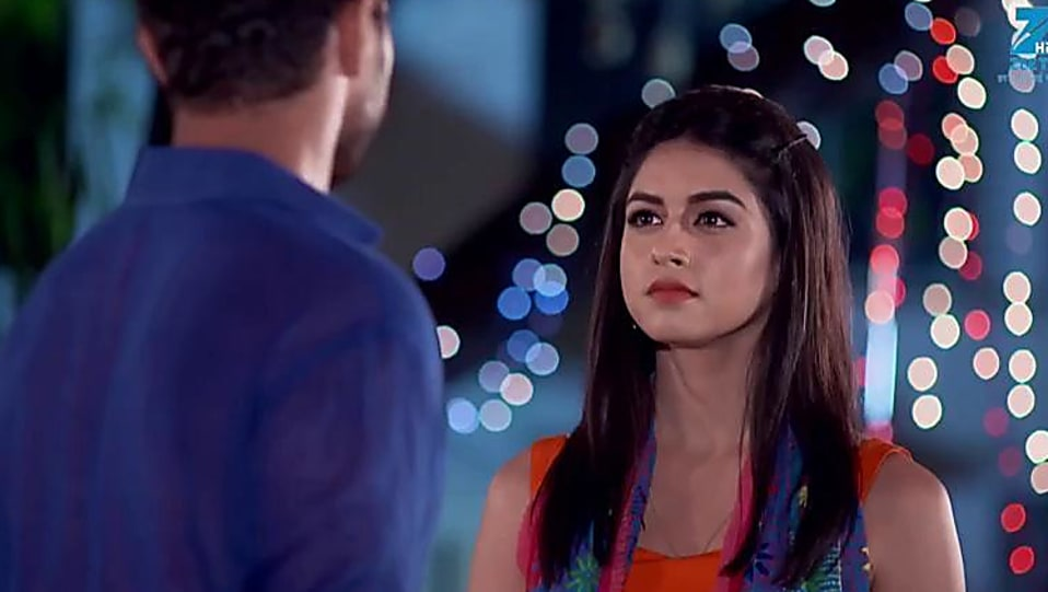 Jyoti Sharma Orange Kurti and Blue Jeans look, Episode 61