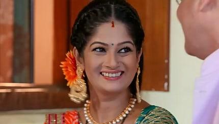 Priyanka Purohit Yellow Anarkali and Blue Leggings look, Episode 43