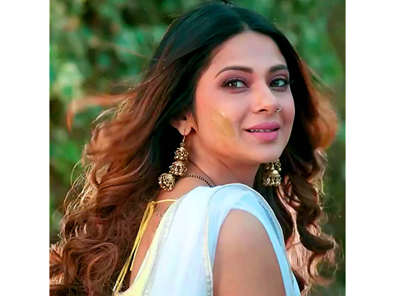 Jennifer Winget S Beautiful Bouncy Curls Is For Good Hair Days Its a super quick and easy 2 min. bouncy curls